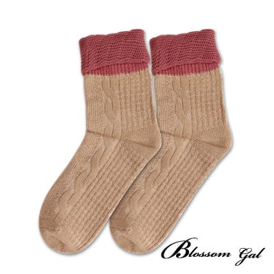 Blossom Gal麻花紋撞色針織雲朵花邊短襪(棕)
