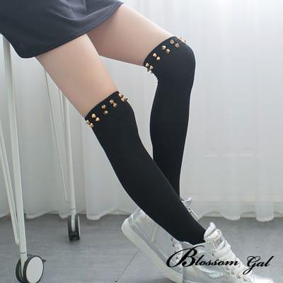 Blossom Gal 搖滾立體鉚釘顯瘦拉長膝上襪(共兩色)